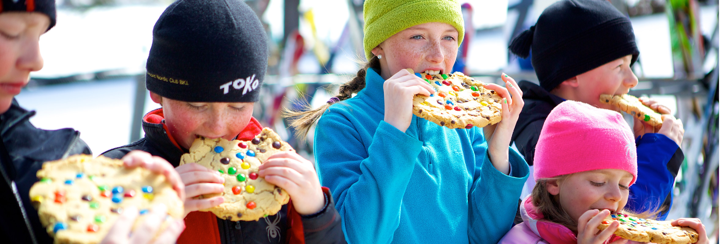Photo of kids eating Pats Peak cookies
